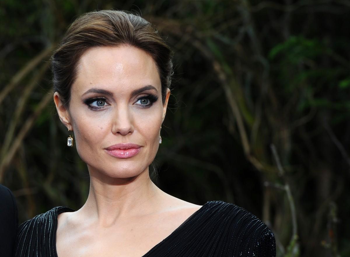Angelina Jolie maakt onherkenbaar Instagram-debuut